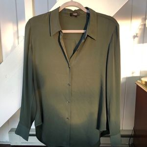 {Theory} Drapey blouse in Hunter Green